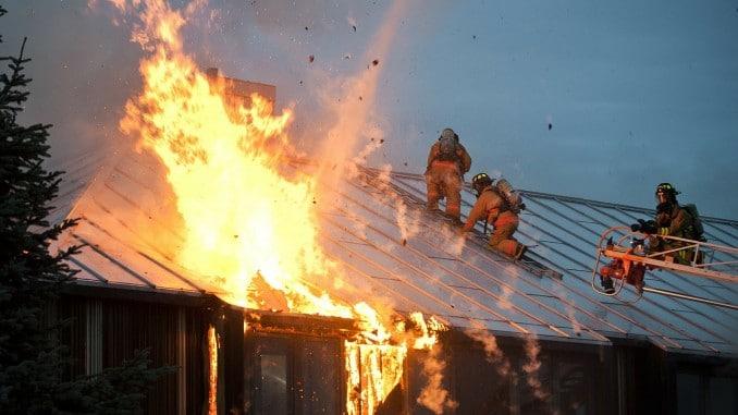 Eine Feuerversicherung schützt vor finanziellen Schäden im Falle eines Brandes